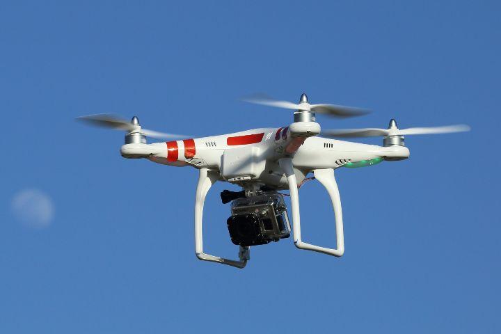 Piloter un drone en état d'ivresse peut coûter cher