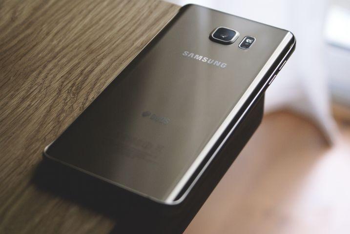 smartphones galaxy samsung