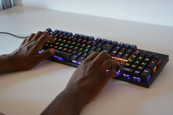 clavier mécanique g-lab Keyz Carbon2