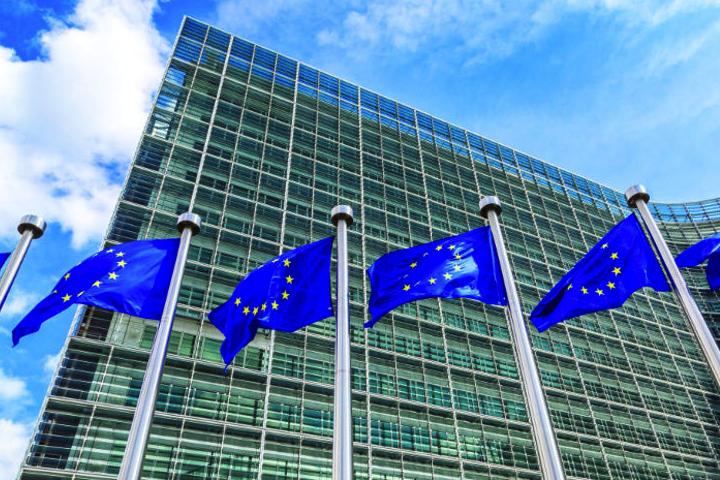 La Commission européenne condamne Google à une amende de 4,34 milliards d'euros