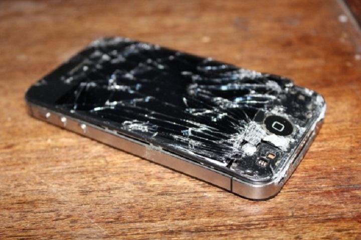 Un iPhone chute de 137 mètres : il fonctionne encore !