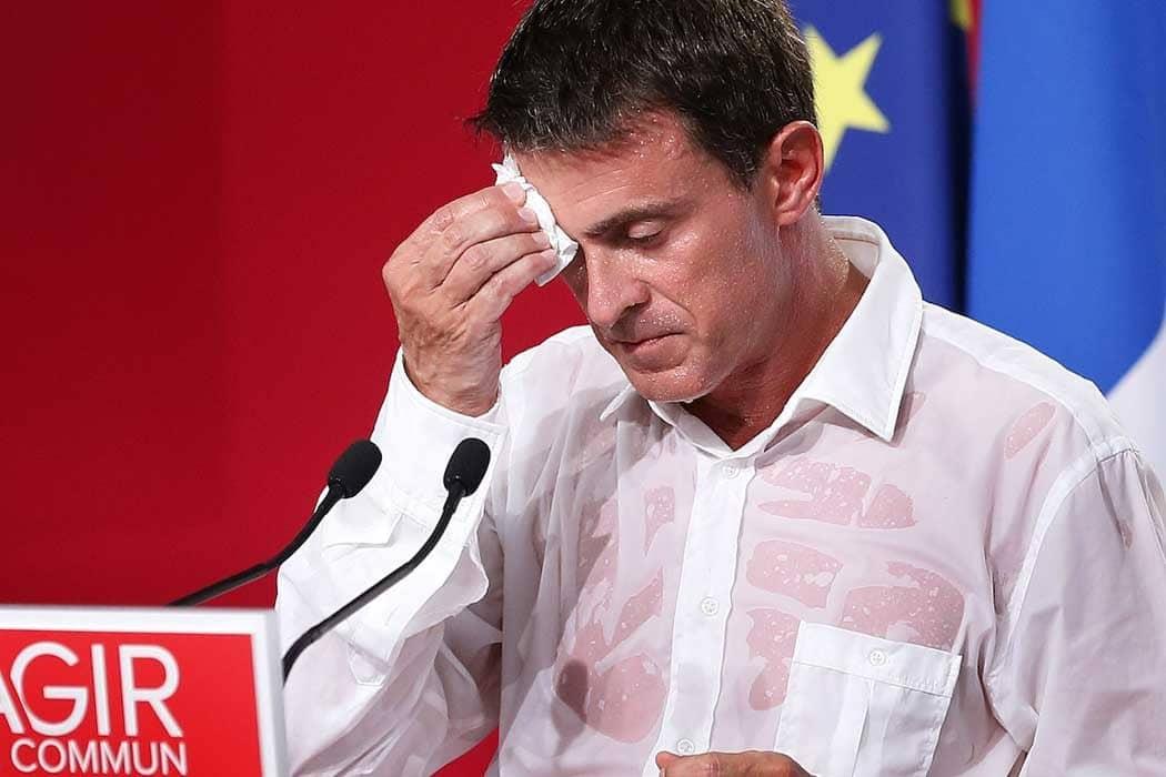 Manuel Valls fait une bourde sur Twitter en rendant hommage au prince Philip