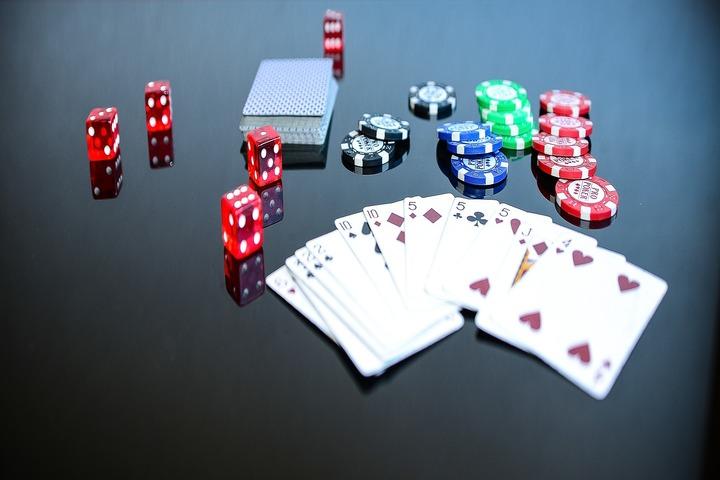 Pluribus, ou comment une intelligence artificielle développée par Facebook est parvenue à vaincre des champions de poker